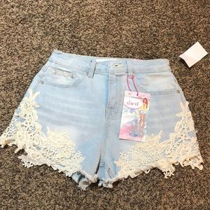 Almost Famous shorts